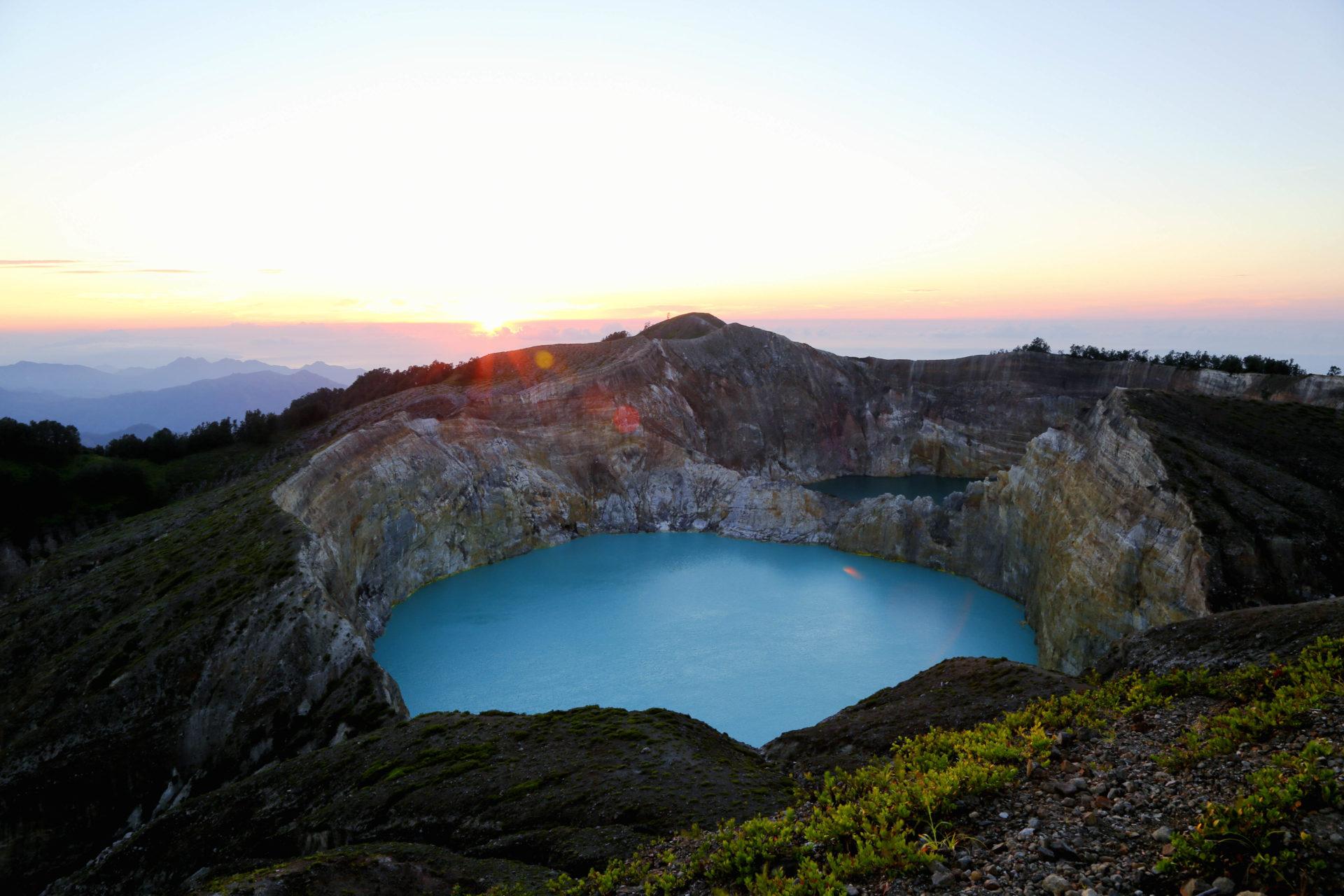 Kratersee im Kelimutu Nationalpark