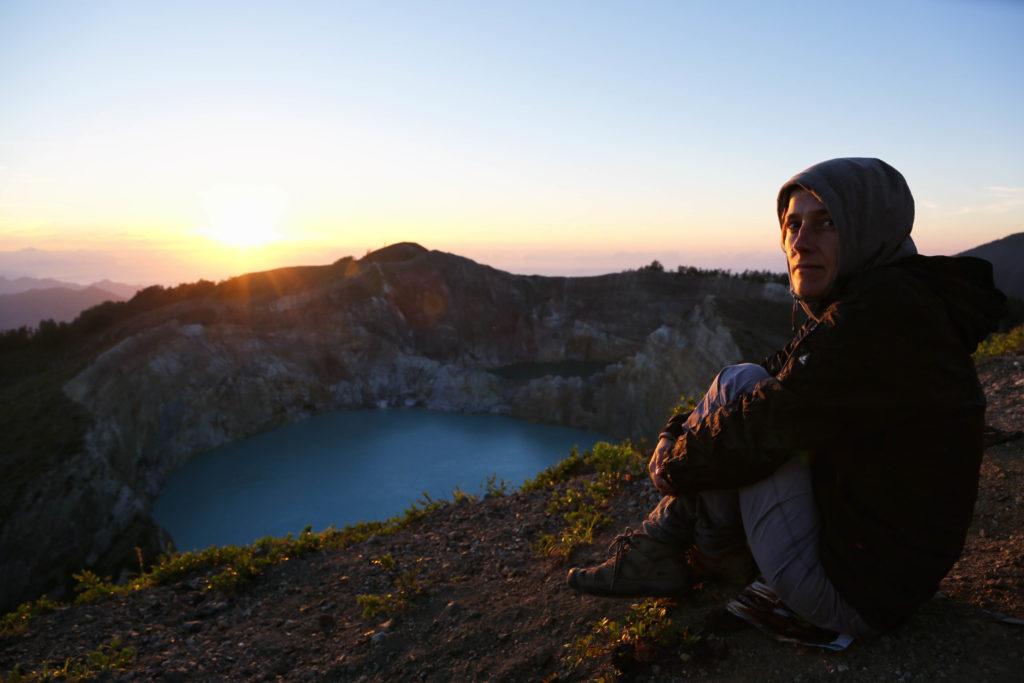 Sonnenaufgang am Gunung Kelimutu