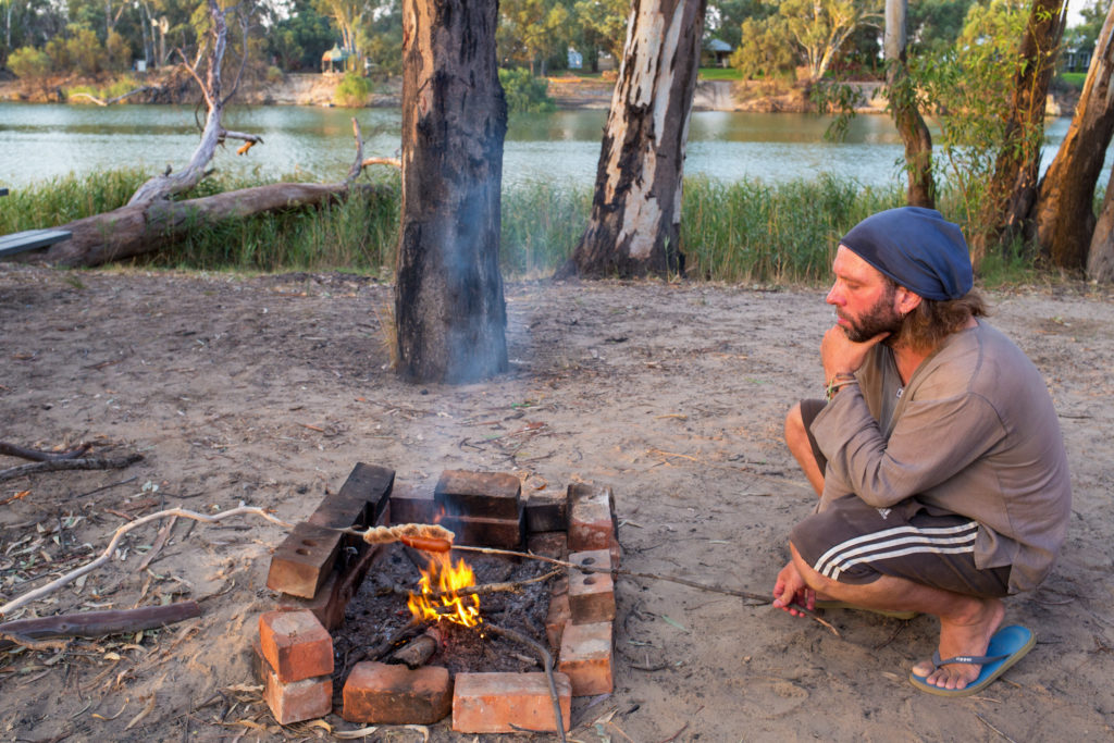 Lagerfeuer mit BBQ am Murray River