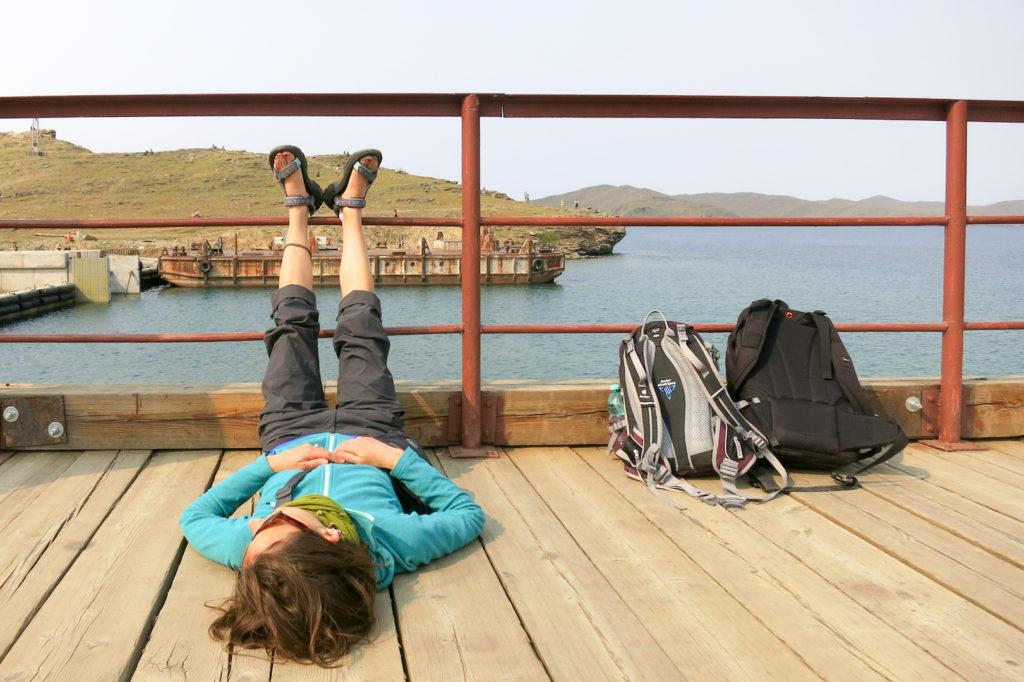 Warten auf die Fähre am Baikalsee