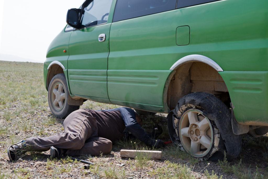 Reifenpanne Wüste Gobi, Mongolei