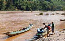 Bootstrip auf dem Nam Ou