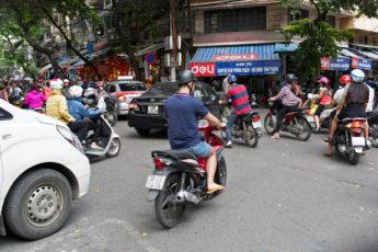 Strassenverkehr in Hanoi