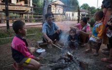 Ban Hatkhai Stockbrot auf laotisch