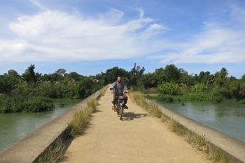 Die Brücke zwischen Don Khon und Don Det