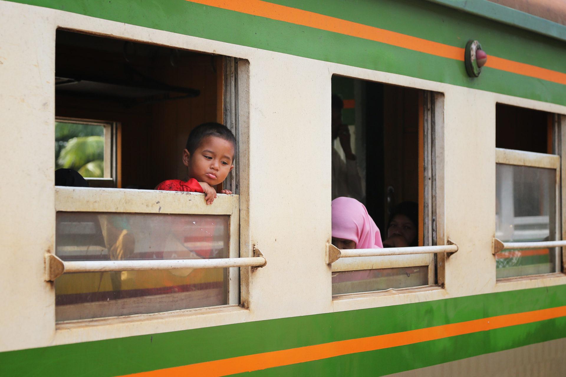 Eine abenteuerliche Zugfahrt durch die Unruheprovinzen – Der Grenzübergang Sungai Golok