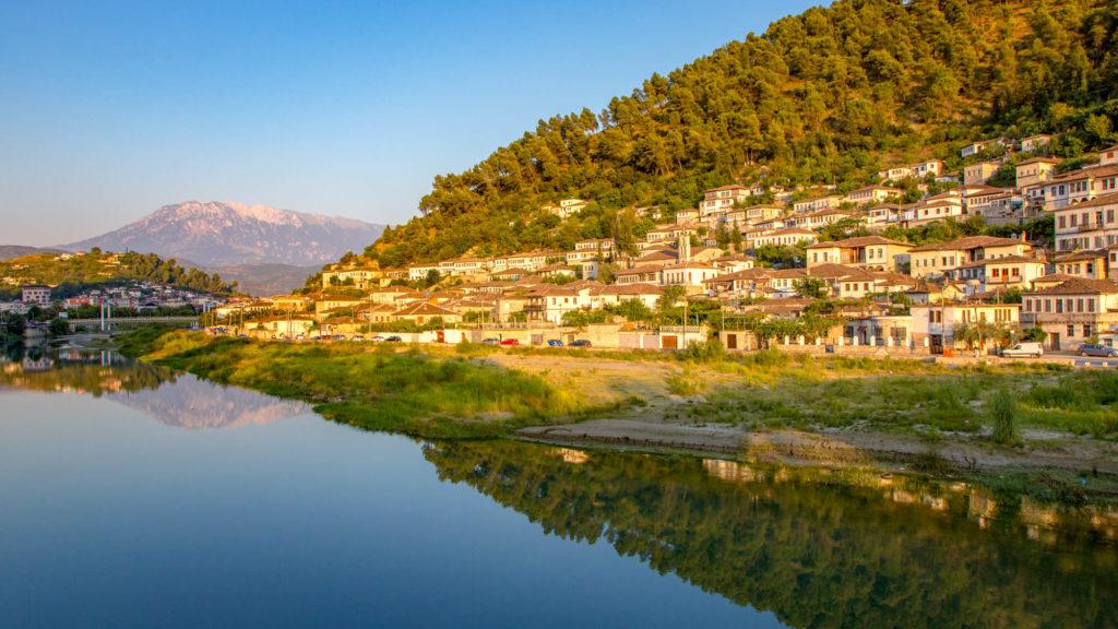 Berat - Sehenswürdigkeiten in der Stadt der 1000 Fenster - Albanien