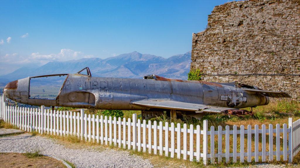 US-amerikanische Lockheed T-33 in Gjirokastra, Albanien