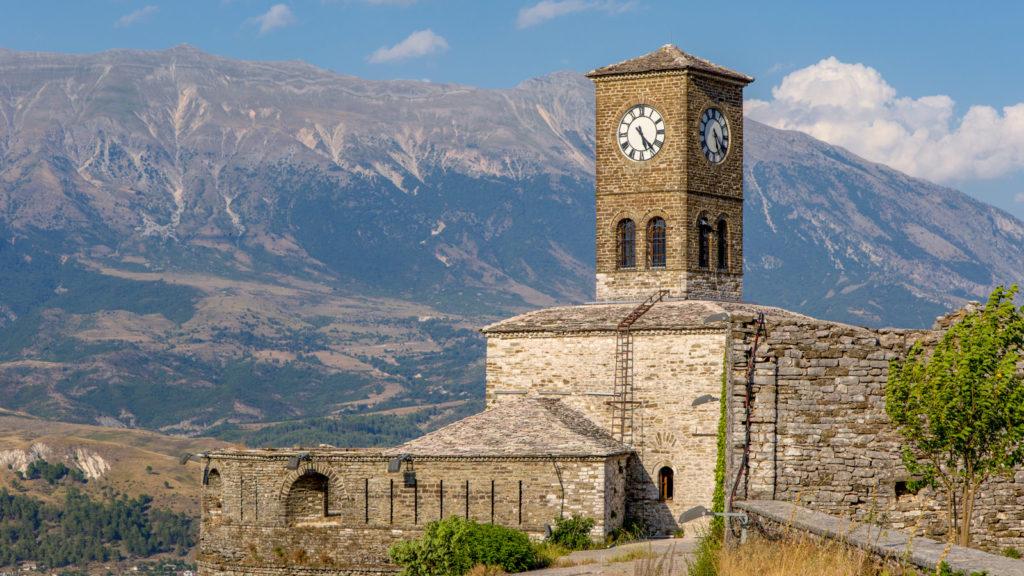 Gjirokastra in Albanien - Uhrturm Burg