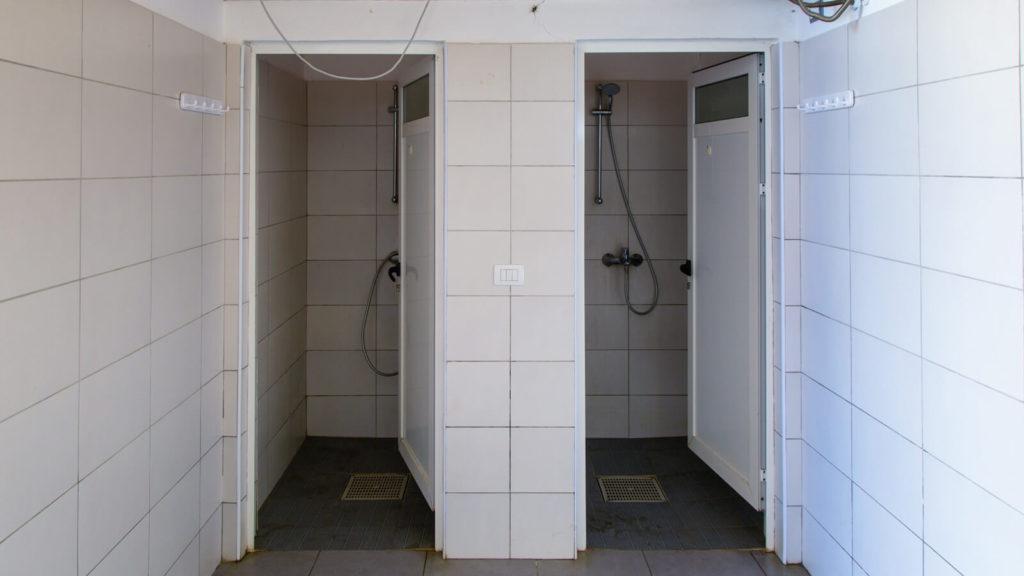 Sanitäre Anlagen/Waschräume Camping Pa Emer