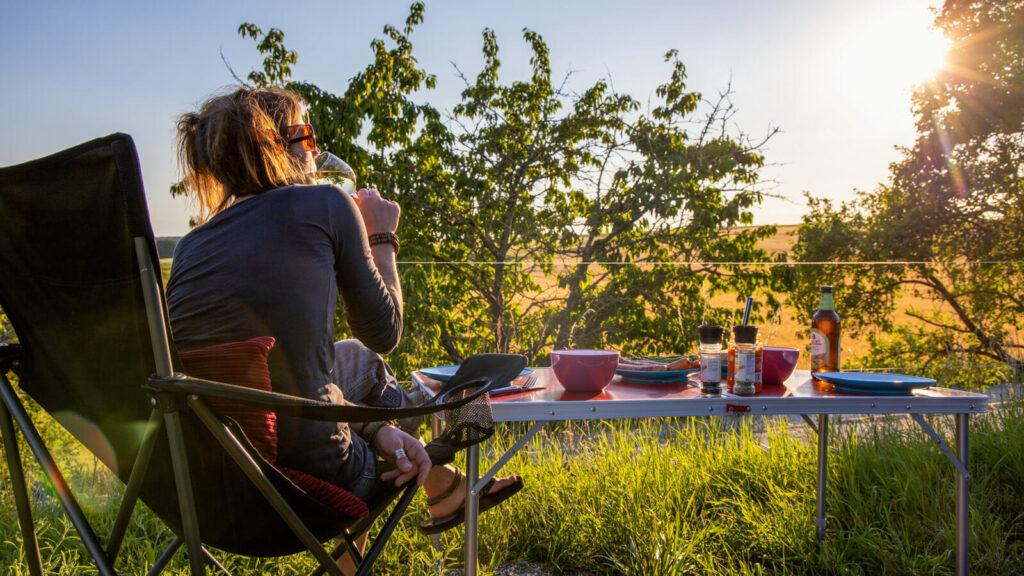 Landvergnügen Abendessen Picknick auf dem Land