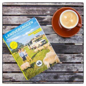 Landvergnügen Stellplatzführer Buch und Kaffee