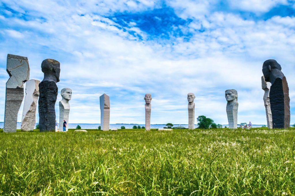 Dodekalitten Skulpturen - Radtour durch Dänemark