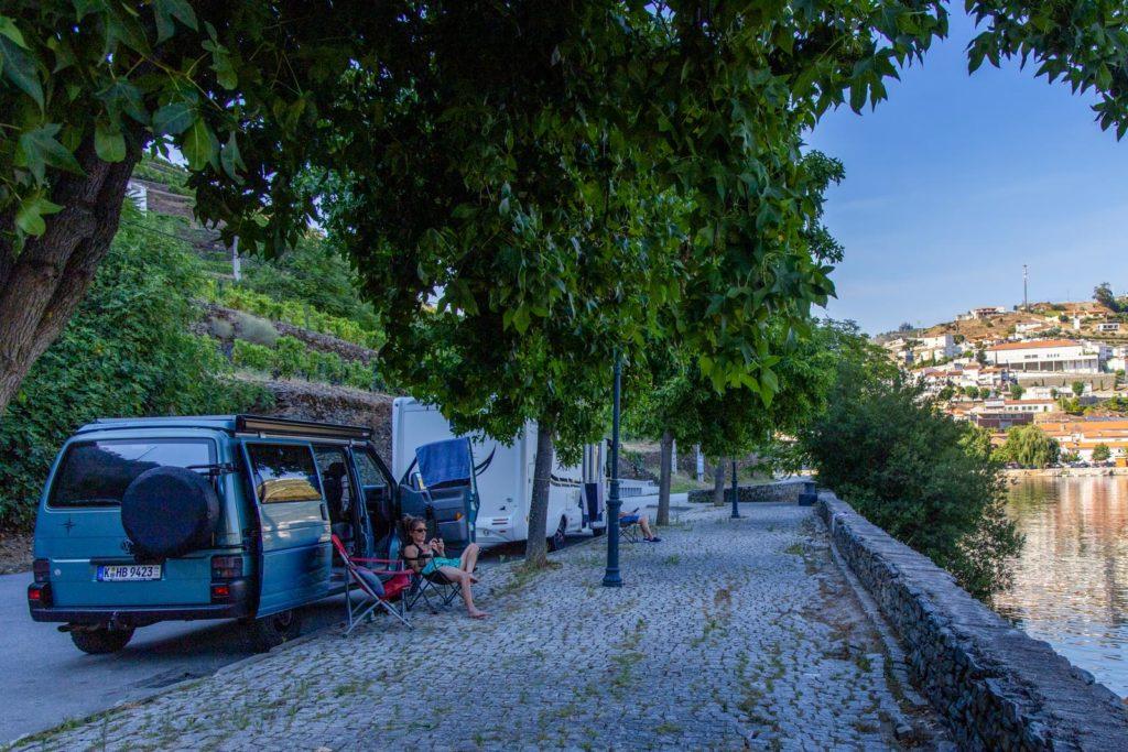 Wohnmobilstellplatz direkt am Douro in Pinhão