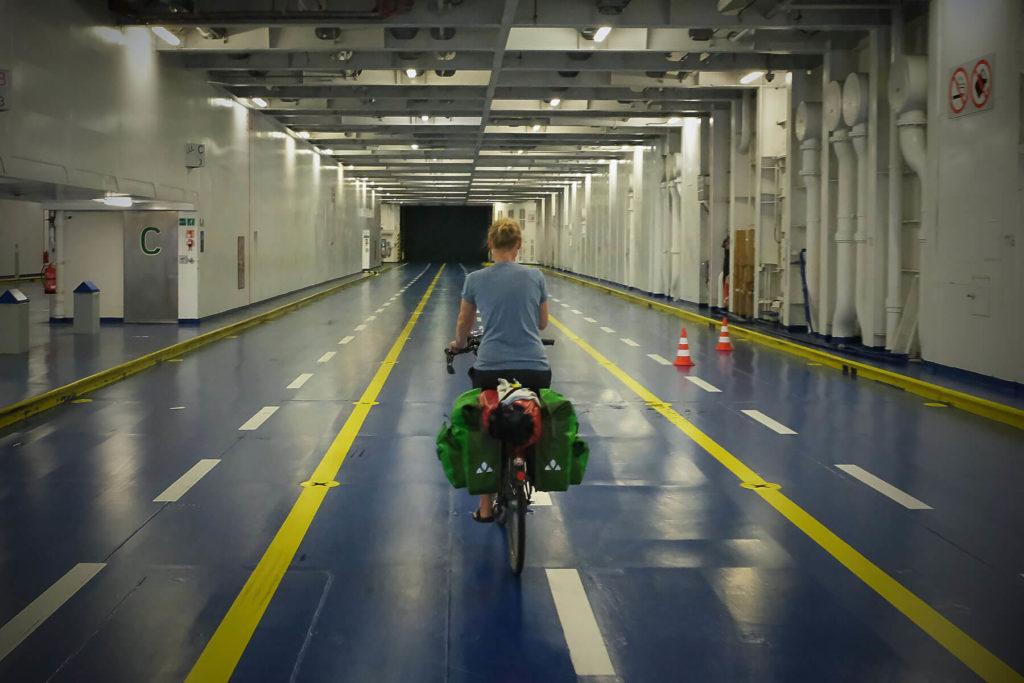 Ina im Schiff - Radtour durch Dänemark