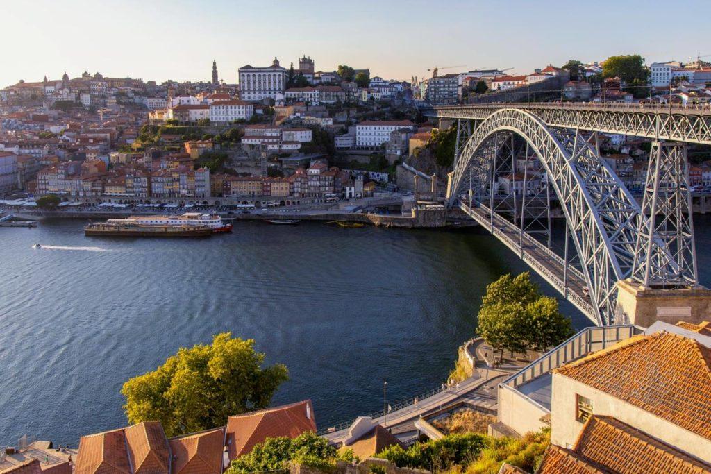Blick auf Porto und die Ponte Dom Luís I
