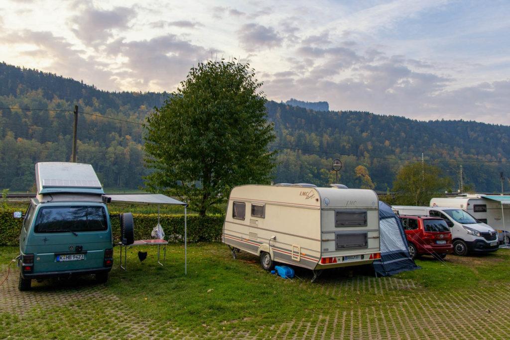 Blick auf den Lilienstein vom Campingplatz - Mit dem Wohnmobil in die Sächsische Schweiz