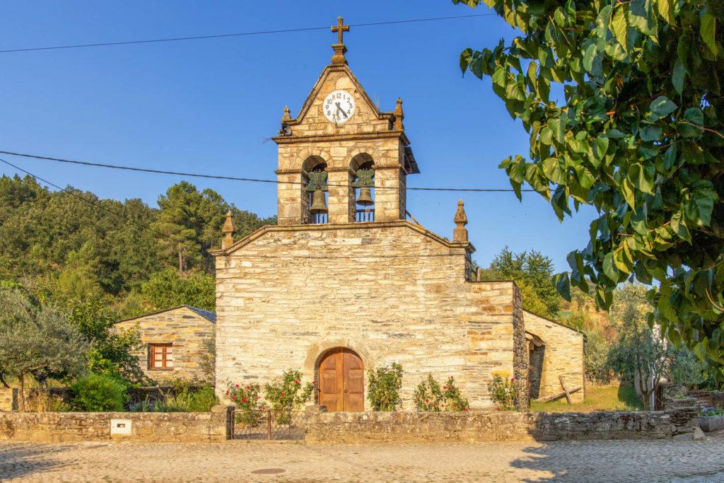 Kirche in Rio de Onor Nordportugal