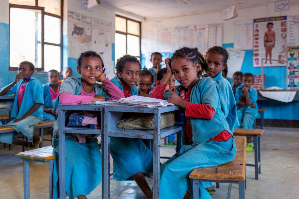 Mädchen in der Schule beim Unterricht in Gorgora - Äthiopien reisebericht in Bildern