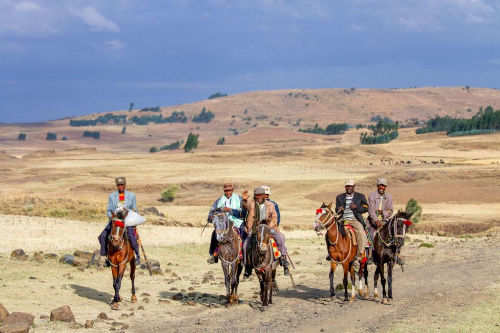 Eine Gruppe von Reiten im äthiopischen Hochland - Äthiopien in Bildern