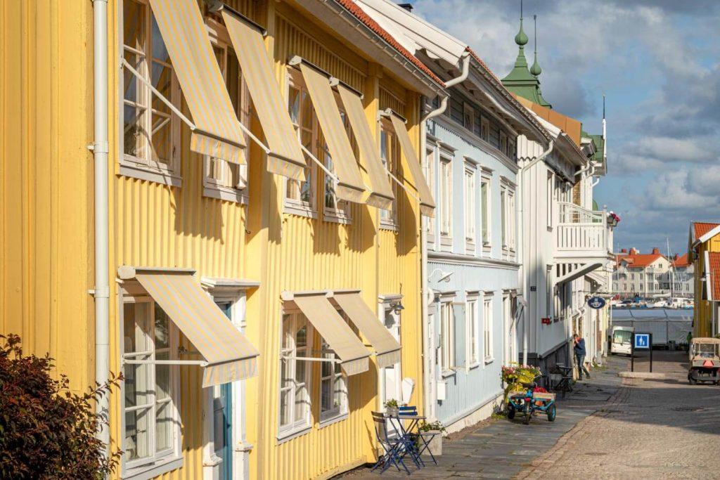 Bunte Schwedenhäuser in Marstrand Schweden - Skandinavien Rundreise mit dem Auto