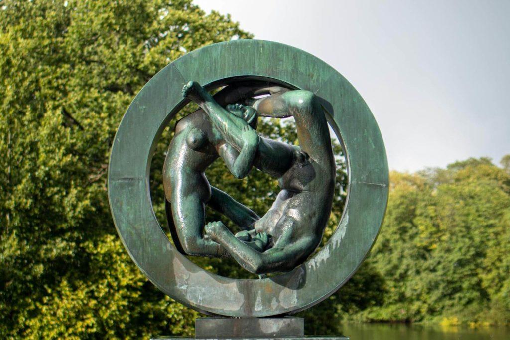 Oslo Vigeland Park Skulpturenpark Skulptur - Skandinavien Rundreise mit dem Auto