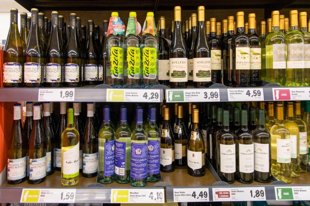 Reisekosten Portugal - Weinpreise im Supermarkt