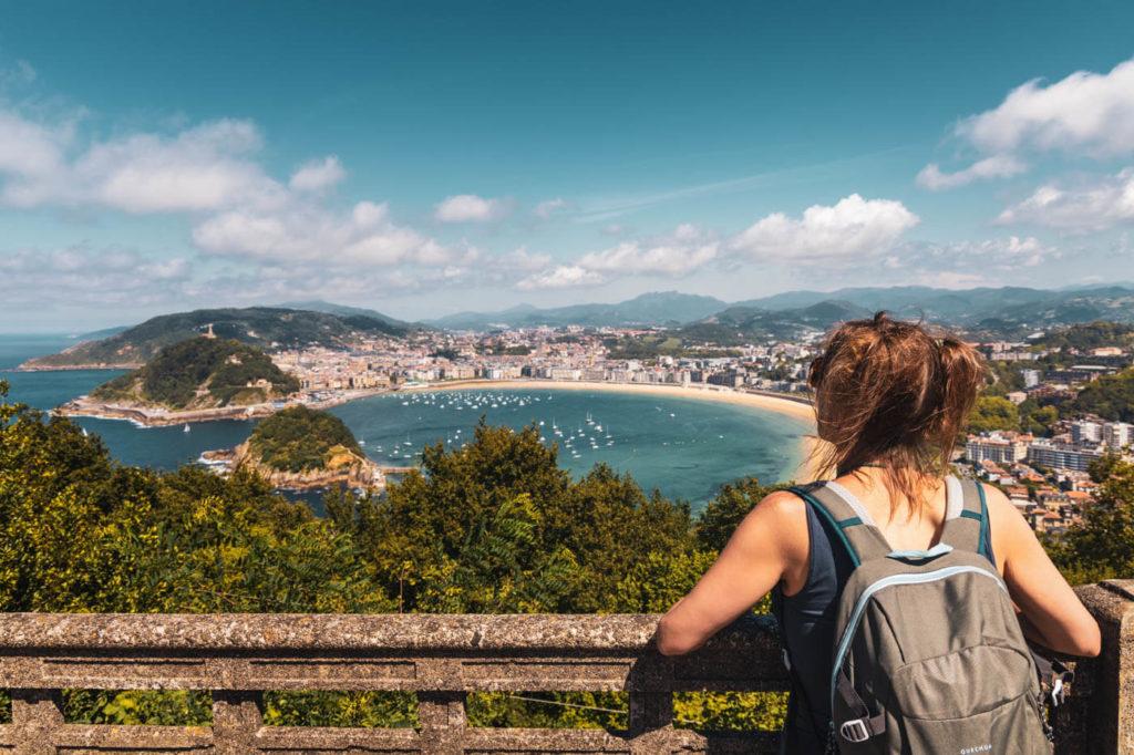 Blick auf Bucht von La Concha vom Monte Igueldo in San Sebastian